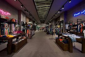 pavimento in resina per negozi