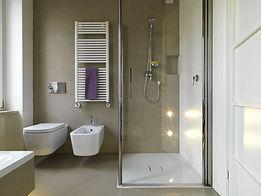 applicazione di resine e microcemeti su piastrelle bagno