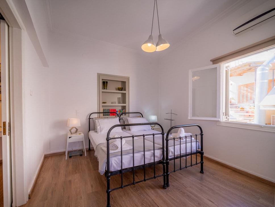 Room for rent aegina, greece