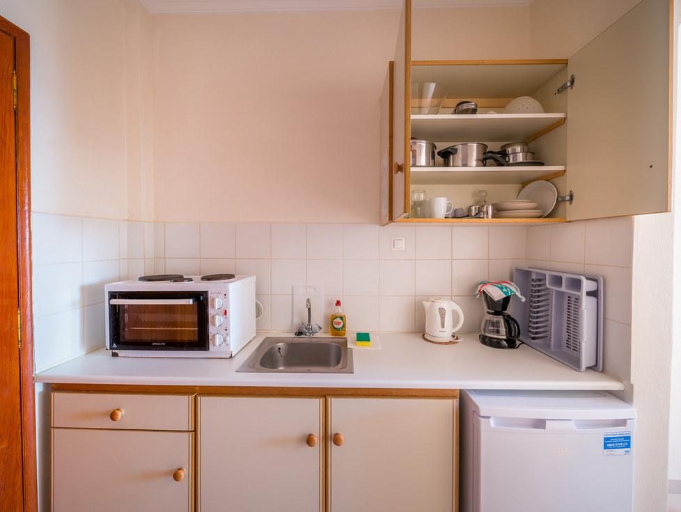 Rooms to rent aghia marina