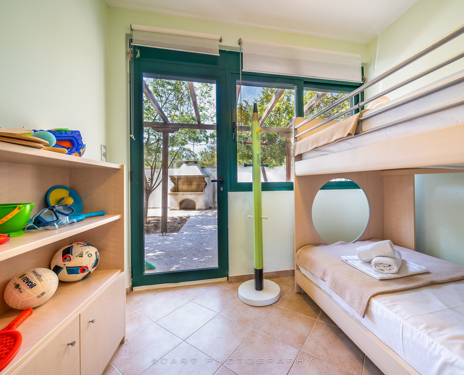 BedroomB_2_bunk_beds.jpg
