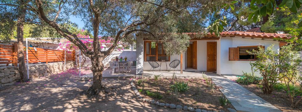 Aegina quiet house
