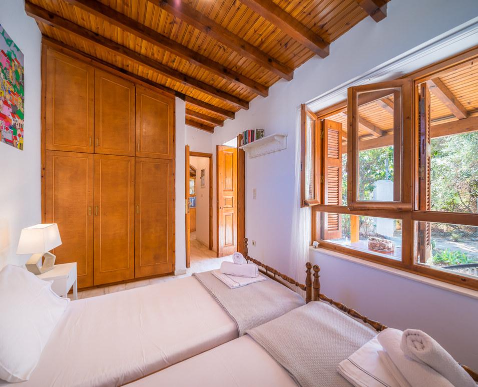 Aegina house to rent