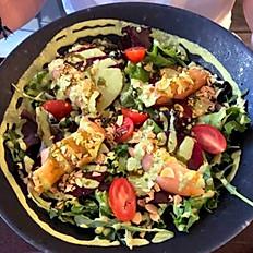 Salada com fatias de Beterraba e Salmão fumado / Beets and Smoked Salmon Salad