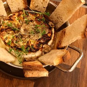 Camembert Fondue com Trufas