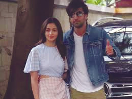 Alia Bhatt And Ranbir Kapoor's Wedding Postponed To 2021