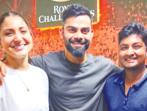 Anushka Sharma And Virat Kohli Are All Smiles And Look Delightful As They Pose With RCB Player Gabri