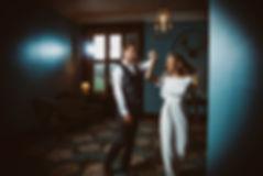 Elegant_bride_groom_dancing_Vicky_Lewis_
