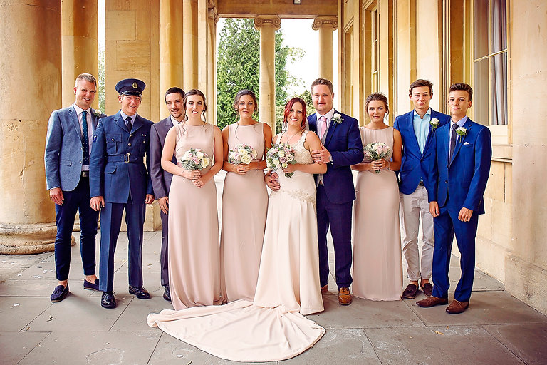 Group_formal_wedding_party_Vicky_Lewis_w