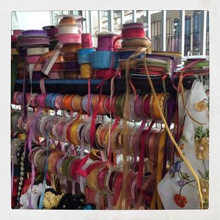 4年前の今日シリーズ。アンタルヤの町中を散策中に見つけた手芸屋さん。