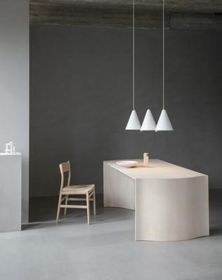 LYFA_MOSAIK SIDEBYSIDE III pendant_White_Photographer Irina Boersma_Stylist Pernille Vest.