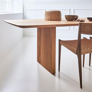 TEN TABLE_B105xL300_wild oak_PIA CHAIR_s