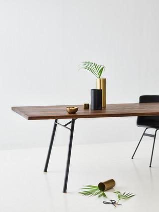 Table CORDUROY en Chêne Fumé