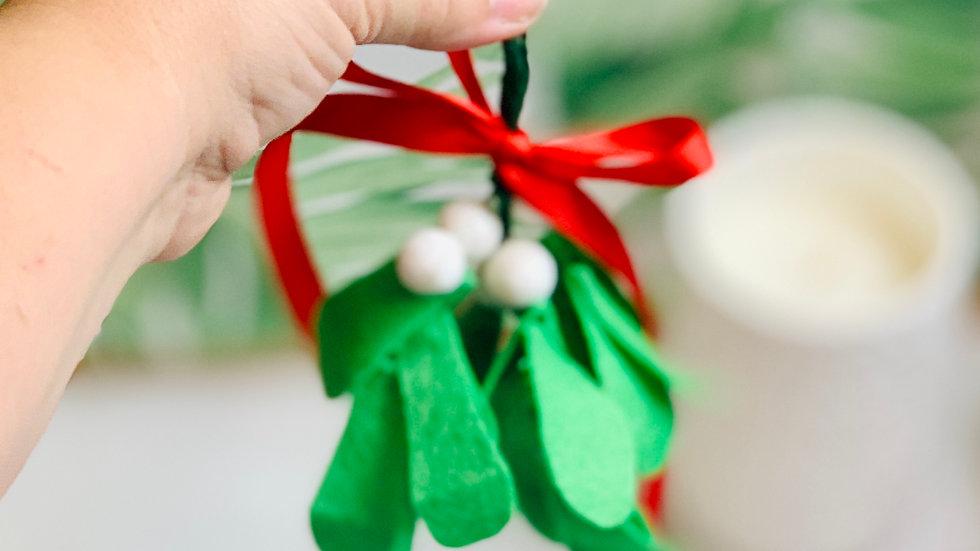 Christmas Mistletoe with Glitter Felt Balls