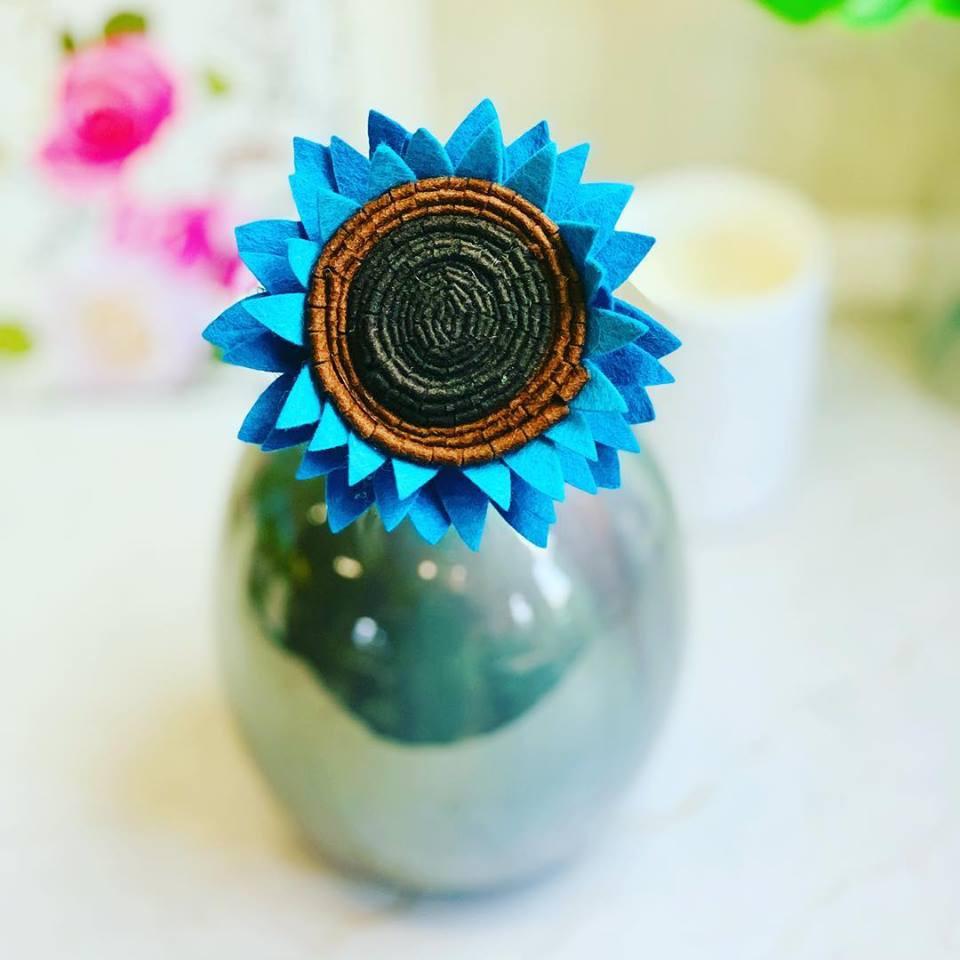 Teal Sunflower