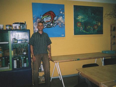 In der AWO bin ich ehrenamtlicher Mitarbeiter. Meine halbe Aktivität hier im Raum Fläming ist hier in der AWO, das Filmprojekt, der Zirkuskurs, People Meet People und so viel mehr. Die AWO ist sehr viel von mir.