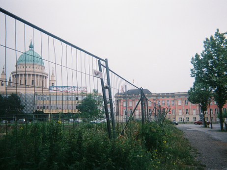 In der Nähe meines Arbeitsplatzes: Potsdam zwischen sozialistischer Architektur und restauriertem Nach-Wende-Prunk.