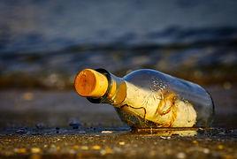 message-in-a-bottle-3437294_1920.jpg
