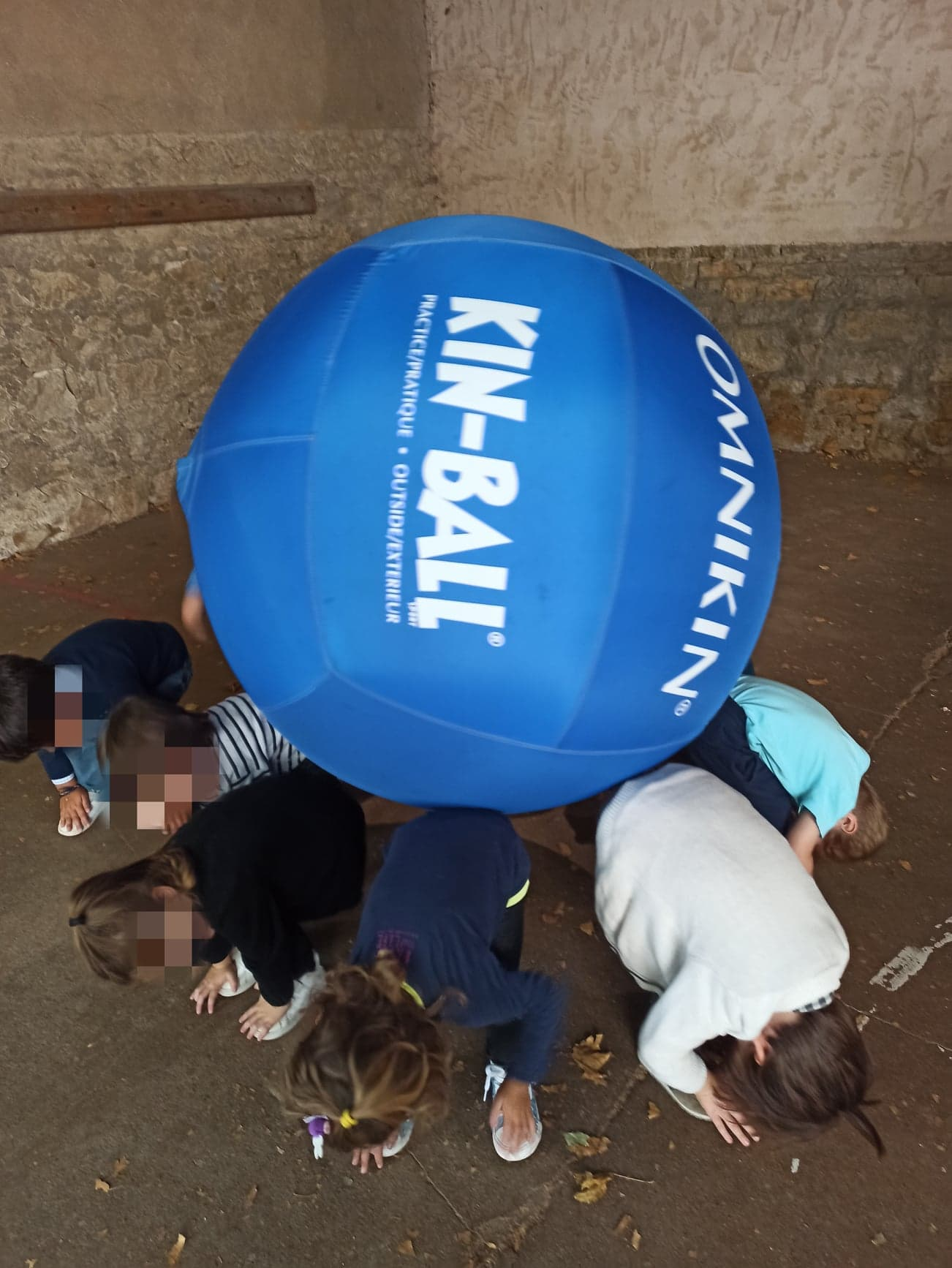 Maintenir un ballon géant