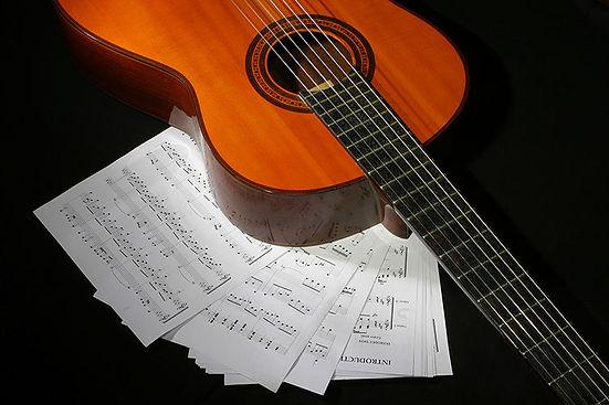 klassische gitarre 1_2x.jpg