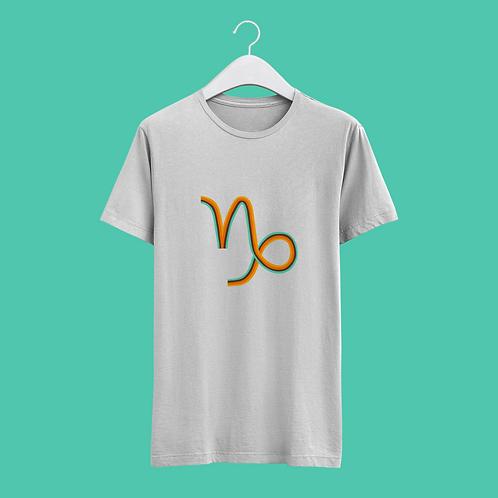 Capricorn Retro Star Sign T-shirt - Large Badge