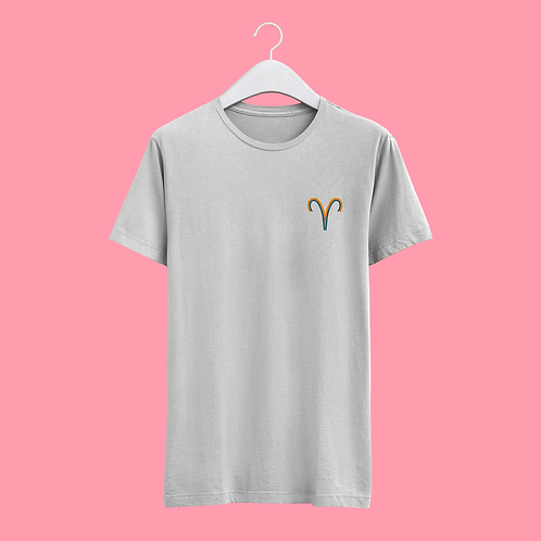 Aries Retro Star Sign T-shirt - Small Badge