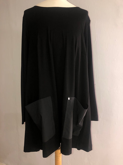 Q'neel - Black long tunic with large pockets