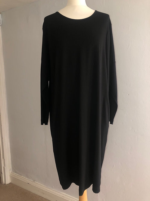 Q'neel - Black Jersey Dress