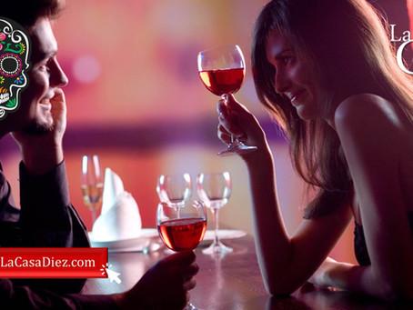 DIA DEL AMOR Y LA AMISTAD, cócteles coquetos para beber con tu pareja.