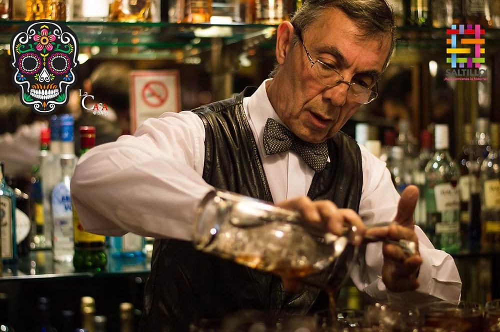 Barman Aldo Echarri