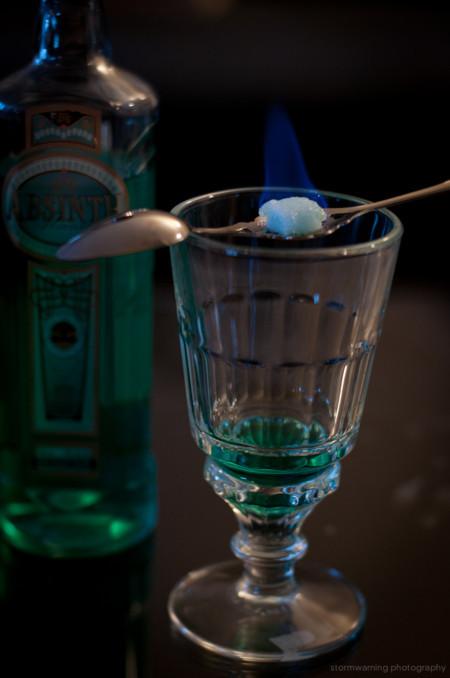 absinth con terron de azucar