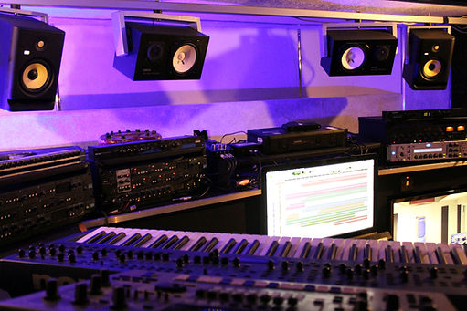 Studio 7 - 5.jpg