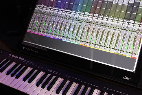 Studio 7 - 3.jpg