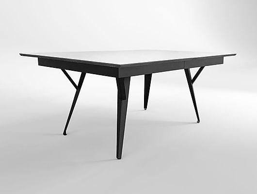שולחן אוכל מעוצב מברזל