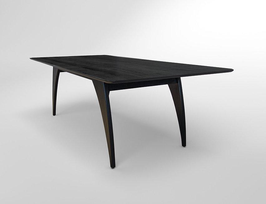 שולחן אוכל שחור מעוצב
