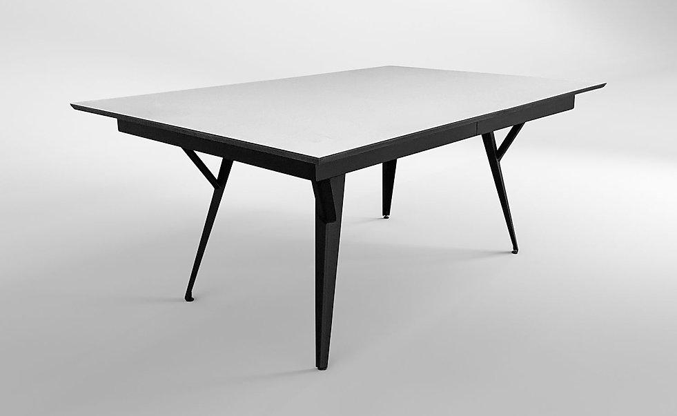 שולחן עם פתיחה מעוצב