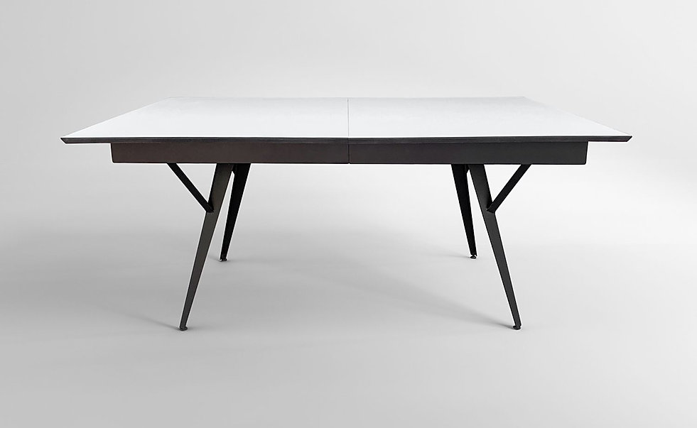שולחן ברזל נפתח