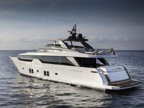 Asymmetric sleek - Sanlorenzo SL102 Asymmetric yacht, Singapore