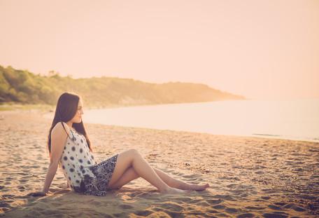 JBella Photography Kim Messina Senior Portraits Ny Suffolk county Nassua County Senior portrait photographer  sitting on beach