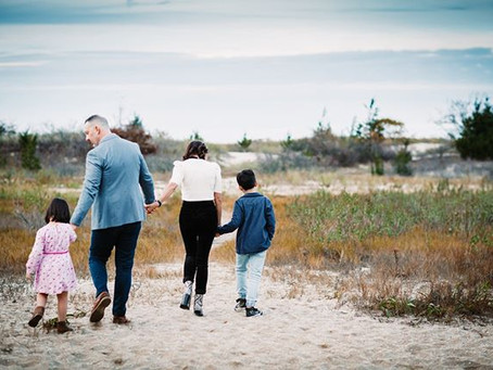 When is the Best Time of Year for Outdoor Family Portraits? | Long Island Family Photographer