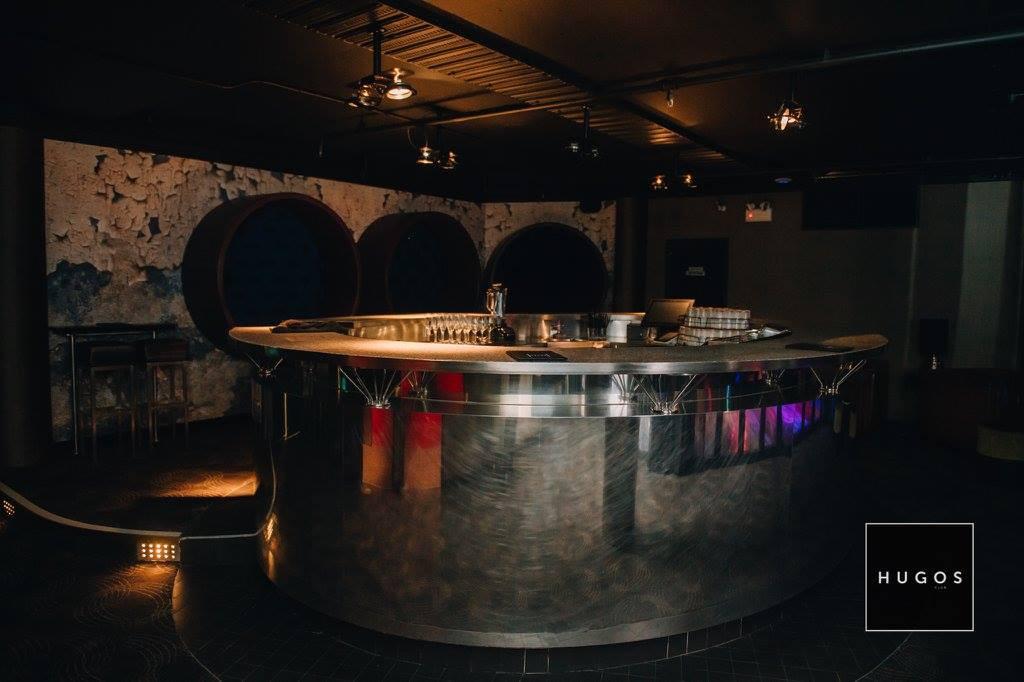 HUGOS CLUB - The Suite - Bar.jpg