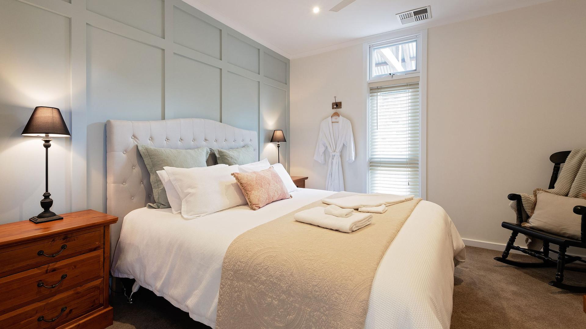 master_bedroom_studio_one_crafers.jpg