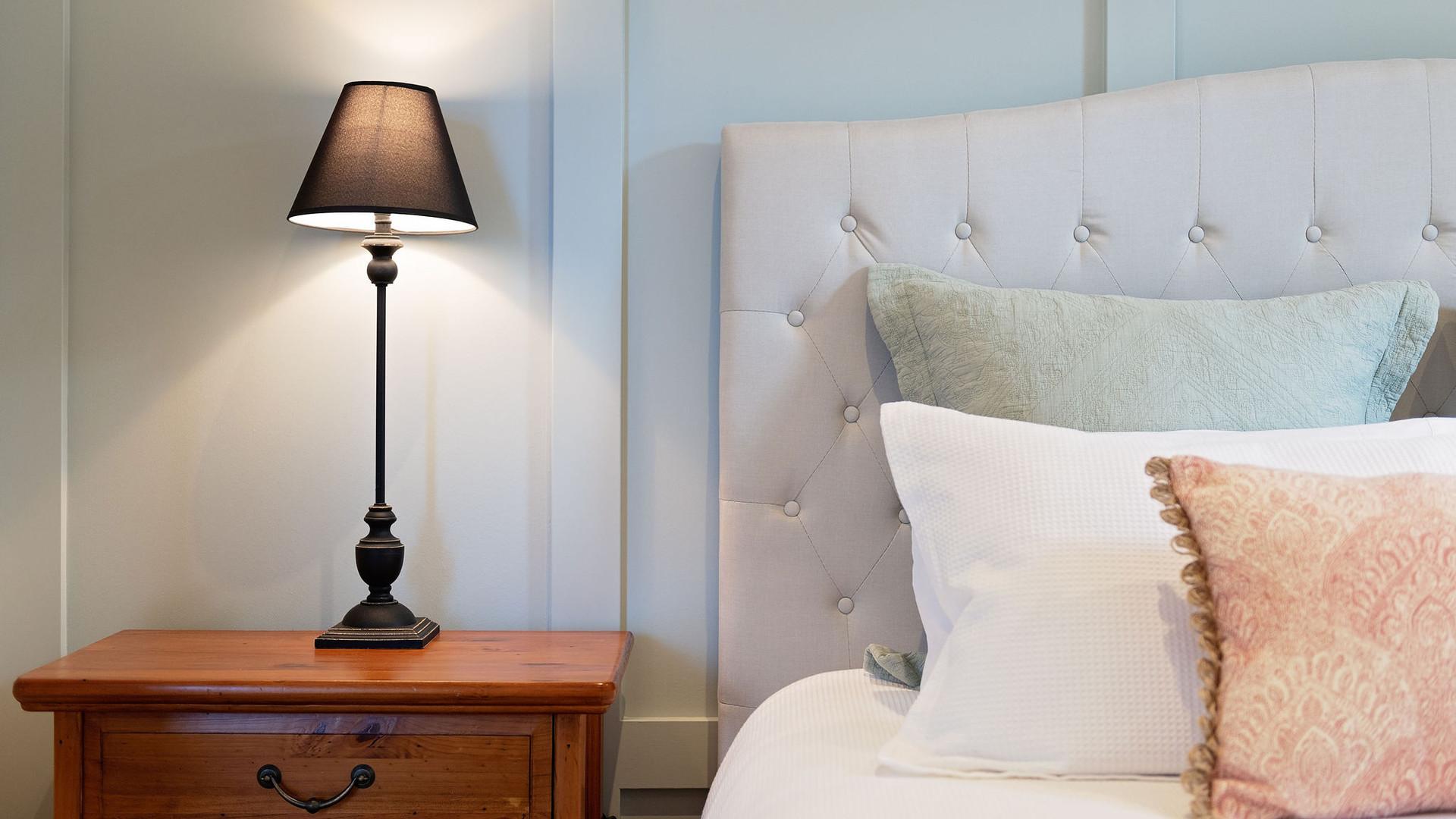 lamp_bed_master_bedroom.jpg