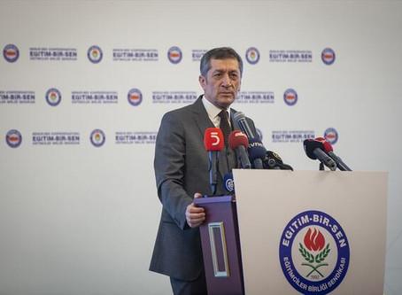 """Ziya Selçuk, """"Eğitime Bakış 2018""""  programına katıldı (CNNTürk)"""