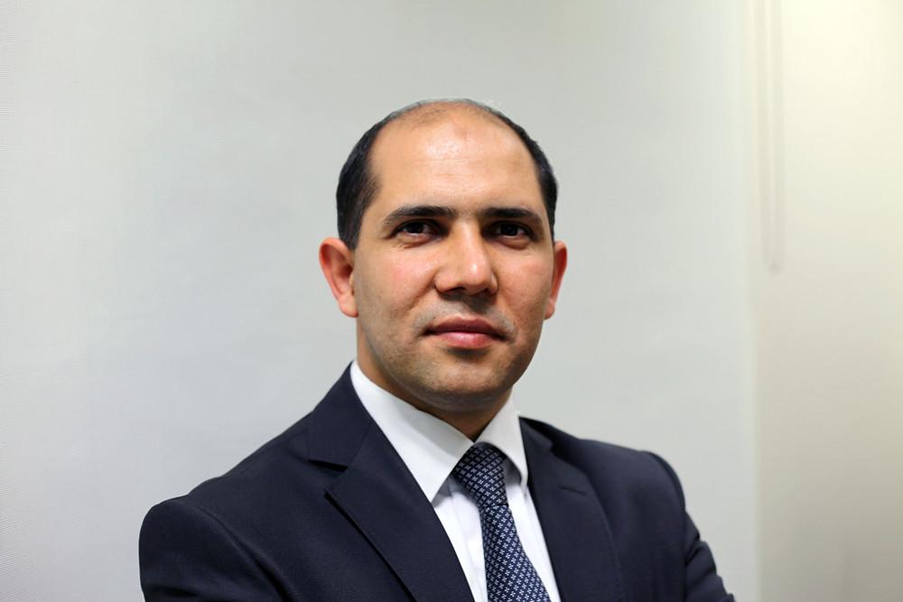 Dr. Bekir S. Gür