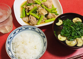 鶏肉とアスパラとえのきの炒め物