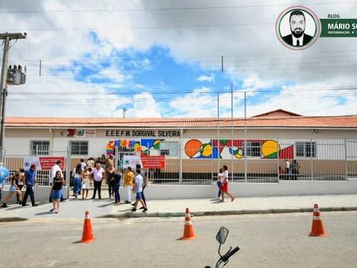 João Azevêdo entrega reforma de escola e ônibus escolar em São Francisco