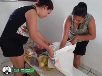 Prefeitura de Conde distribui alimentos para pais de alunos da rede municipal