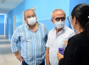 Cícero Lucena visita Policlínica de Mangabeira e anuncia retomada de serviços