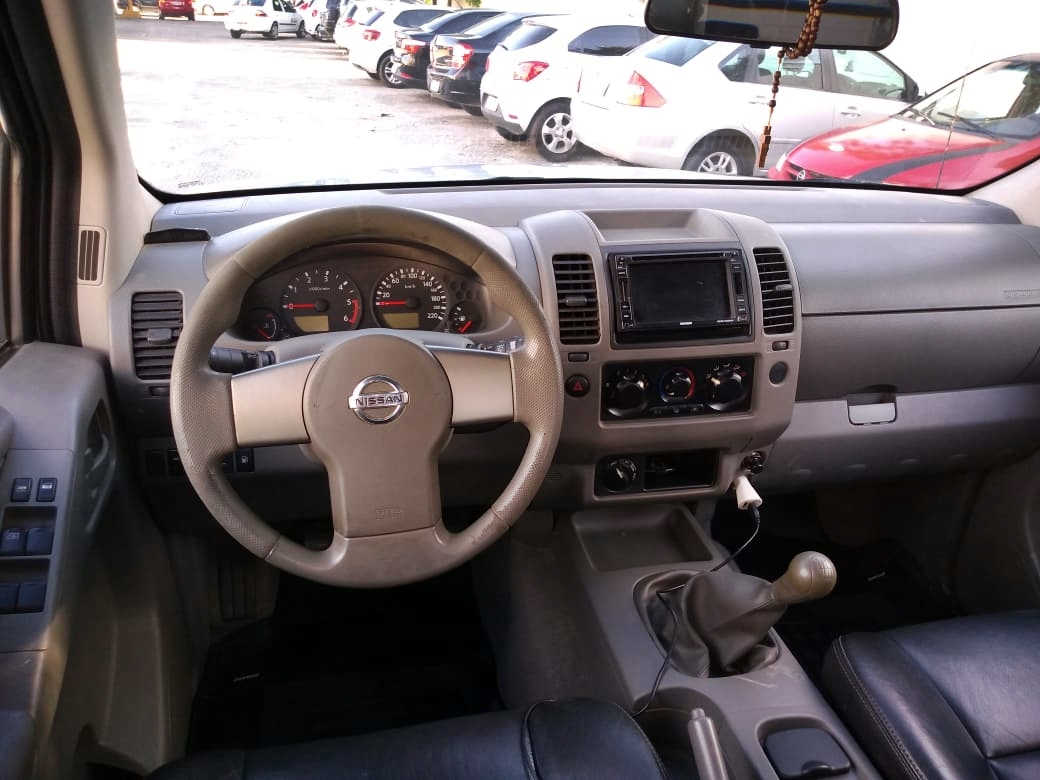 Nissan Frontier 2010/2010 XE 4X4 Completa a Diesel Mecânica + Banco de Couro, Câmera de Ré, Sensor de Ré, 4 Pneus BF Seminovos.